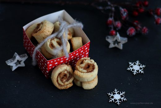 Weihnachtliche Zimtschnecken Plaetzchenrezept Weihnachten Advent Weihnachtsbaeckerei Backen im Advent foodblogger zimtschaetze