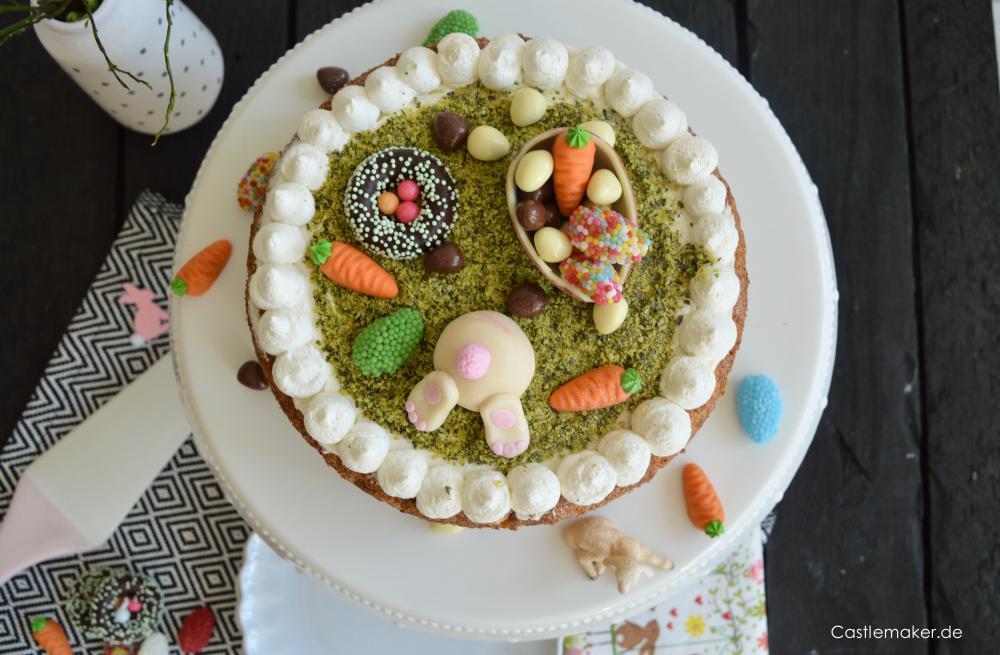 Carrot Cake Rueblitorte mit Frischkaese-Frosting und suesser Osterdekoration karottenkuchen moehrenkuchen ostertorte rezept Castlemaker Lifestyle-Blog